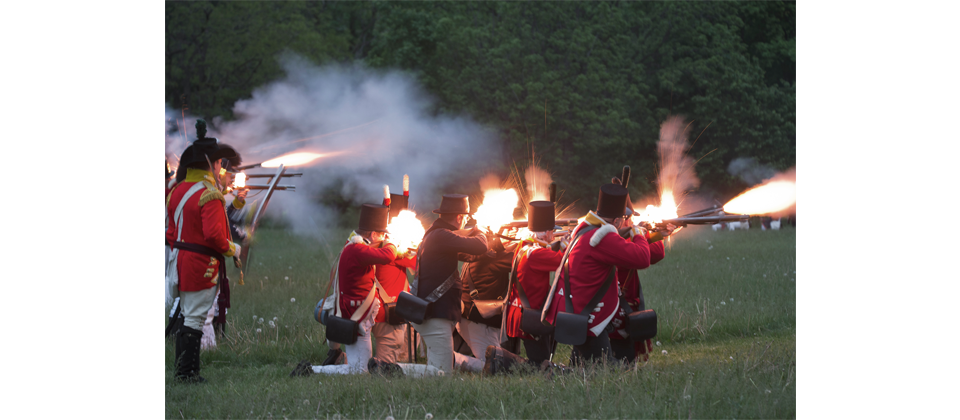 ap-13_-_soldiers_firing_in_battle_of_stoney_creek_re-enactment.png
